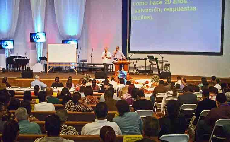 Sy speaking El Sendero De La Cruz, San Juan