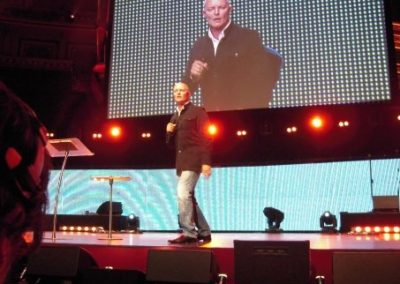 HILLSONG Related AMS-BER-LHR-CPT-SYD (5)